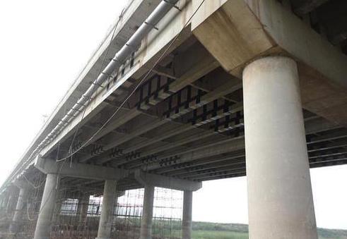 粘贴碳纤维布怎么加固桥梁 简述碳纤维布