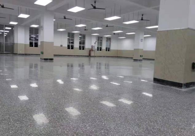如何提高固化地坪的光泽度 简述固化剂地坪的防滑性能