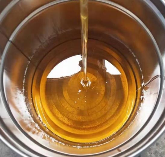 <b>环氧树脂厂家教你挑选环氧树脂固化剂</b>